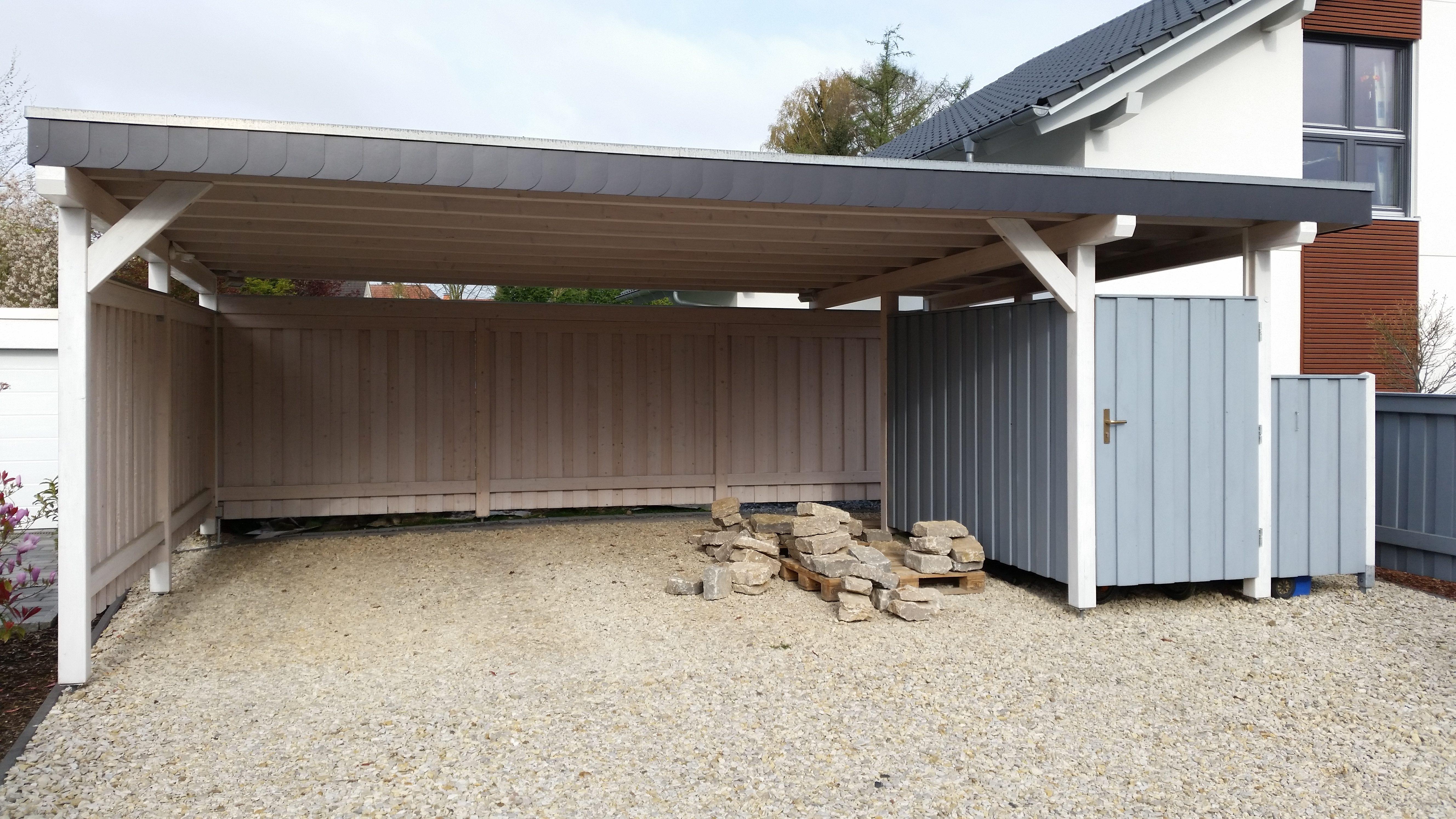 Doppel-Carport mit Abstellflächen